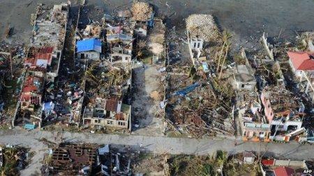 Foto aérea revela cenário de devastação apocalíptica após a passagem do Haiyan