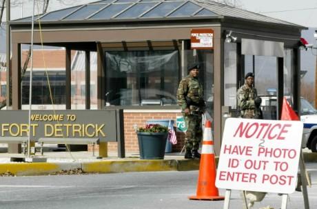 Portal de entrada do Fort Detrick, em Maryland, nos EUA.